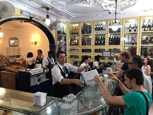 Interior de a Pastelería o Pasteis de Belém