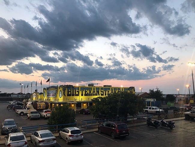 El restaurante Big Texan en Amarillo es un referente y parada obligatoria de la Rua 66