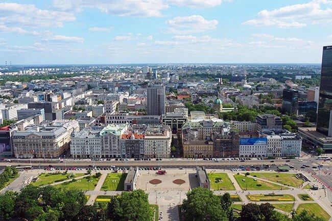 Se pude subir a la planta 30 para tener una panorámica de la ciudad de Varsovia