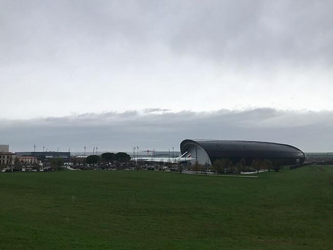 Justo al lado del museo de Aeroscopia puedes ver (y visitar) el Museo Airbus con más aviones