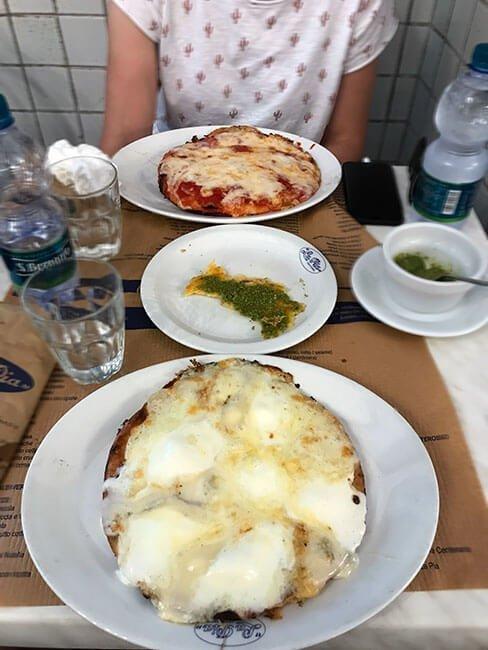 En la Pia Centenaria encontrarás todo tipo de comida típica italiana