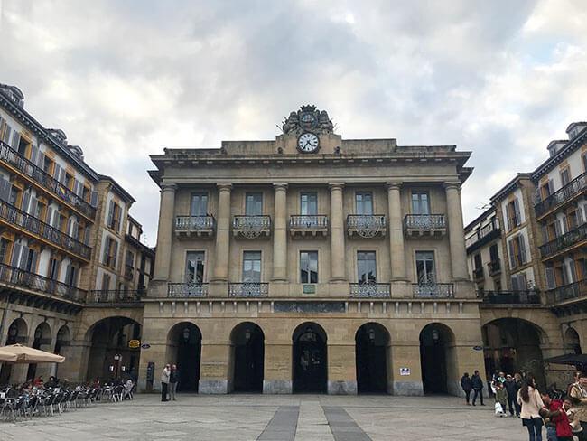 La Plaza de la Constitución de San Sebastián