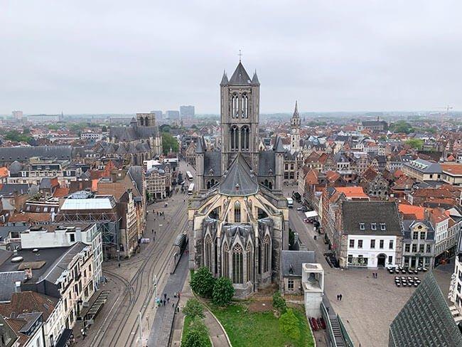 La catedral de San Bavón vista desde el Campanario Municial de Gante