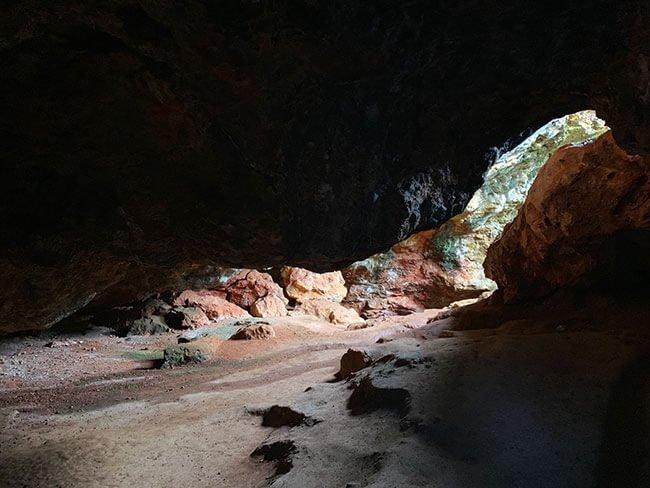 La cueva de Montesinos, que aparece en la segunda parte de Don Quijote de la Mancha