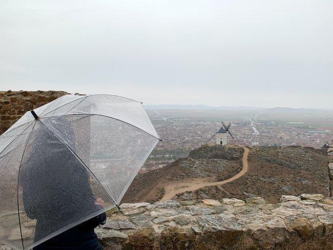 Desde el castillo de Consuegra se pueden ver los Molinos de viento