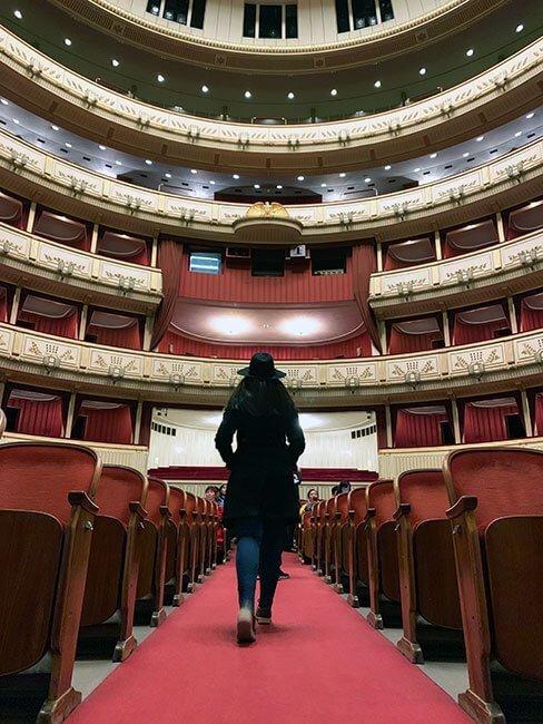 El interior de la Opera de Viena