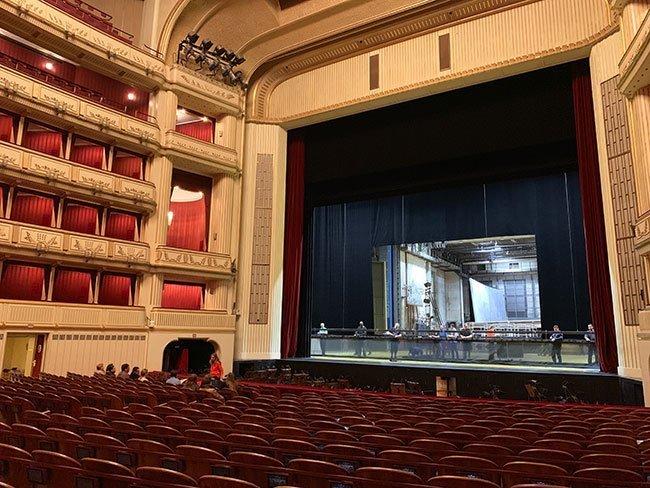 Durante la visita a la Opera de Viena puedes acceder a la zona de butacas