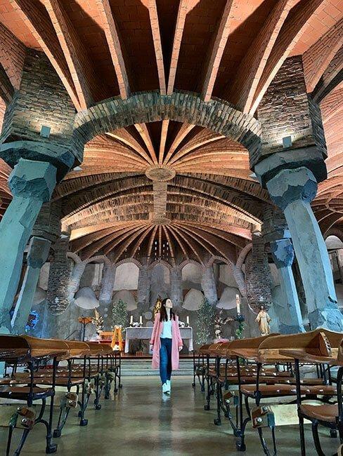 La espectacular Cripta Gaudí de la Colonia Güell