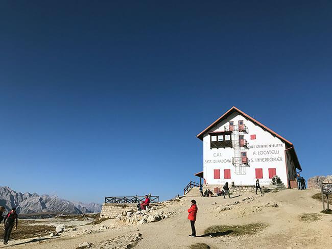Refugio desde donde se tienen unas vistas espectaculares de las tres cimas