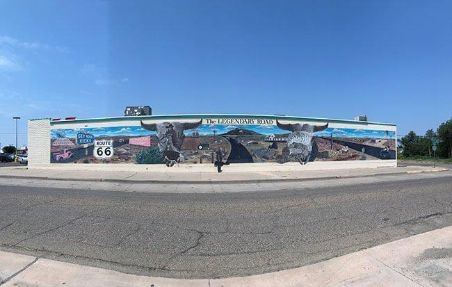 Durante toda la Ruta 66 encuentras muchos murales que representan el paso de la mítica carretea por la zona, en este caso en Tucumcari