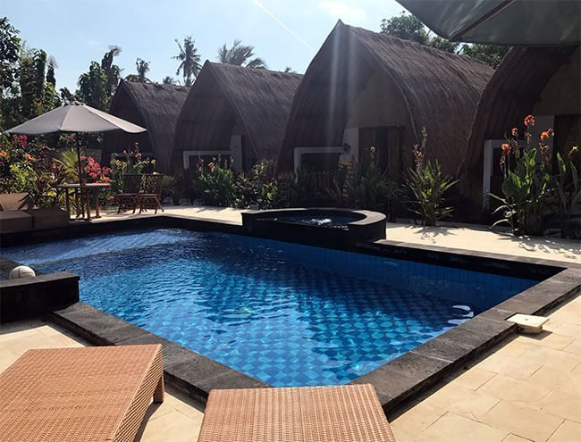 La piscina del hotel G Two Cottages en Gili Air