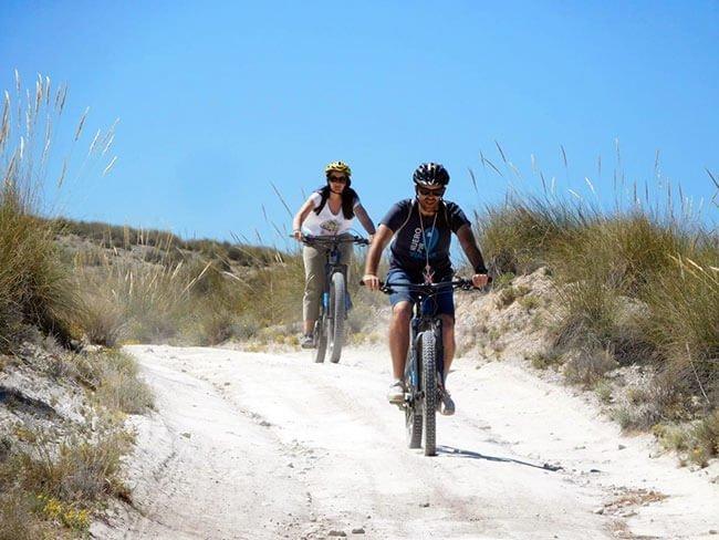 Ruta en bici por el desierto de Gorafe