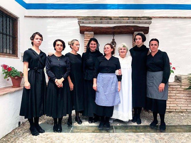El excelente elenco de la obra La Casa de Bernarda Alba en Valderrubio