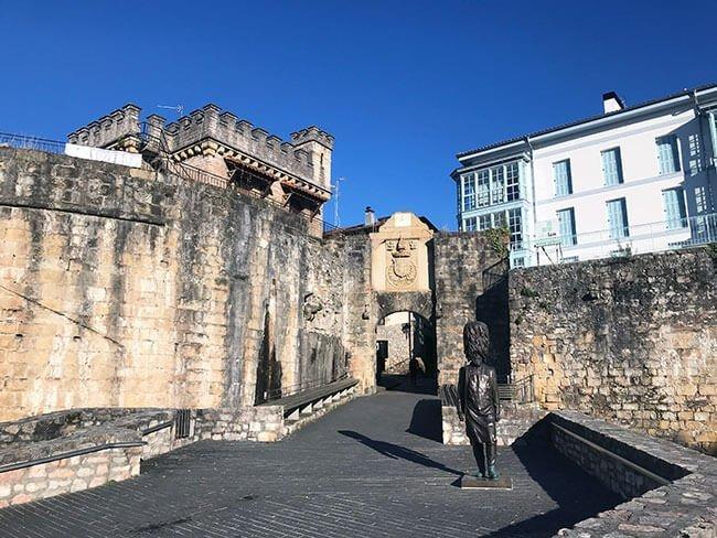 Puerta de Santa Maria Hondarribia