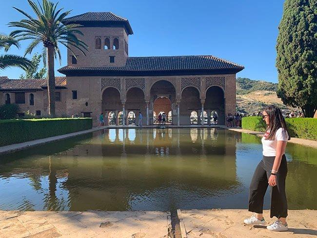 La Alhambra de Granada es una visita obligatoria en tu viaje a la ciudad