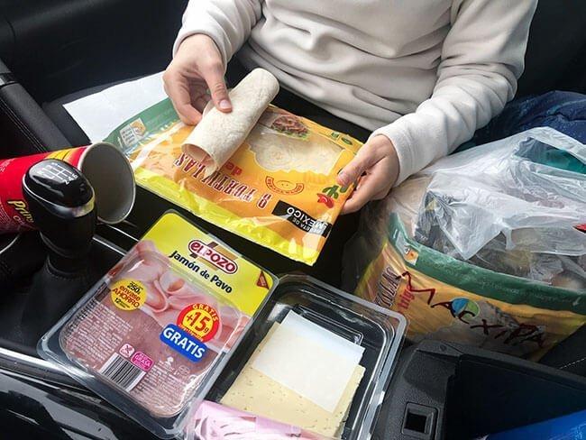 Un buen truco, las comidas en el coche en Islandia