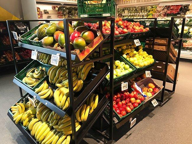 También encontrarás fruta en los super islandeses