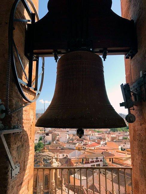 El campanario de la catedral que que sonó justo cuando estábamos allí