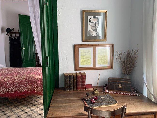 Escritorio y cartas de Federico García Lorca en Valderrubio (Granada)