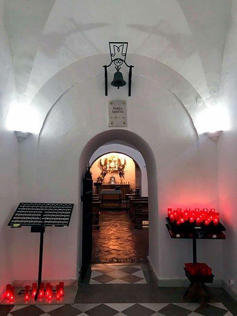 La Ermita Nueva excavada en una cueva