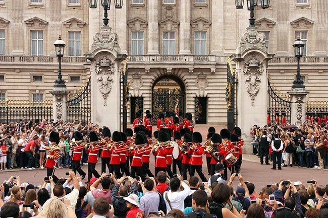El cambio de guardia en el Palacio de Buckingham