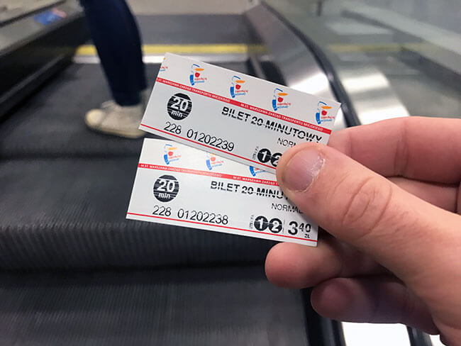 Ticket de bus pata ir al centro de Varsovia