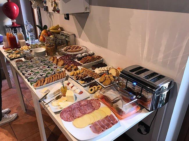 Desayuno delicioso en el Veronetta House de Verona