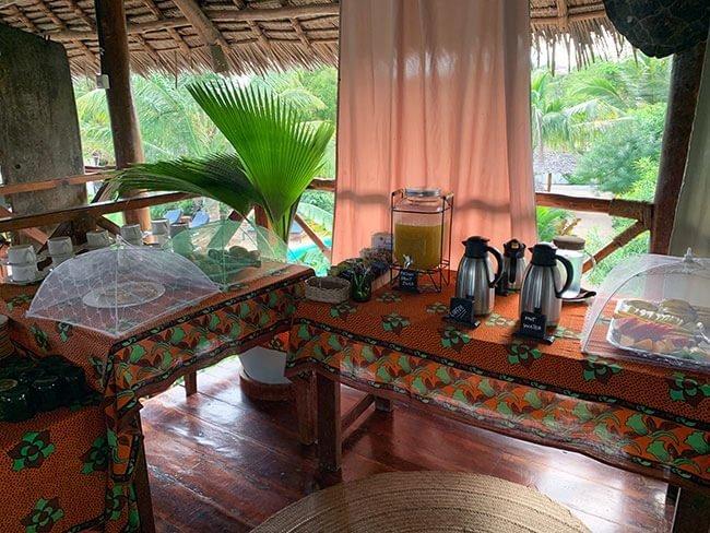 Desayuno de nuestro hotel en Nungwi