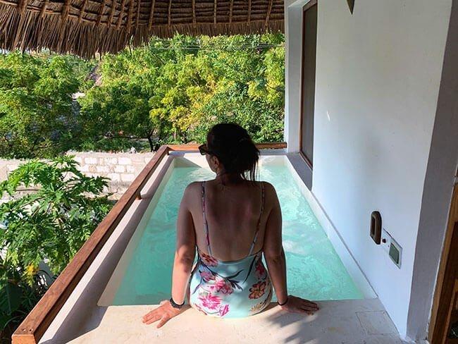 Jacuzzi en el balcón del Aluna Beach Lodge