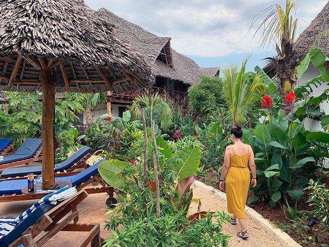 Jardines de nuestro hotel en Nungwi