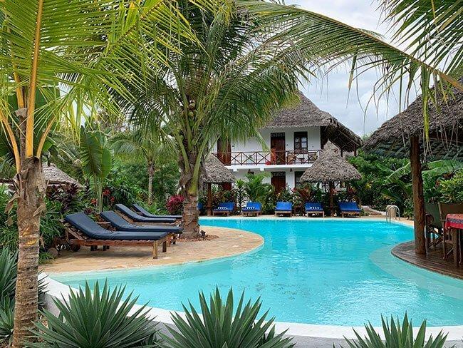 Una de las piscinas de nuestro hotel en Nungwi