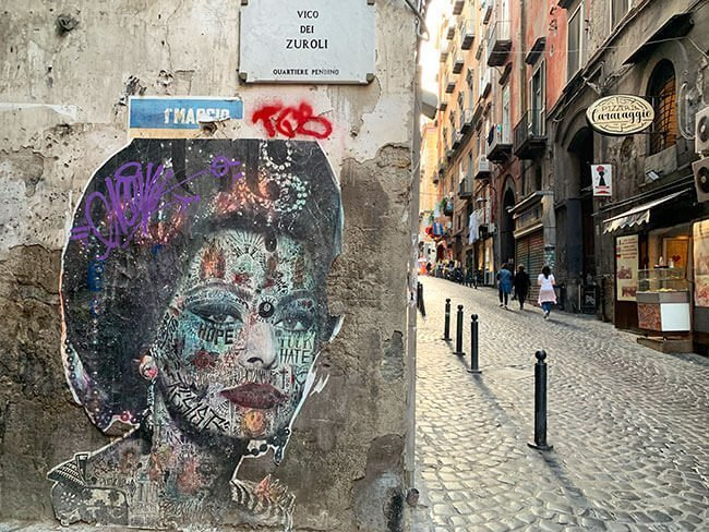 Sophia Loren también está muy presente en las calles de Nápoles
