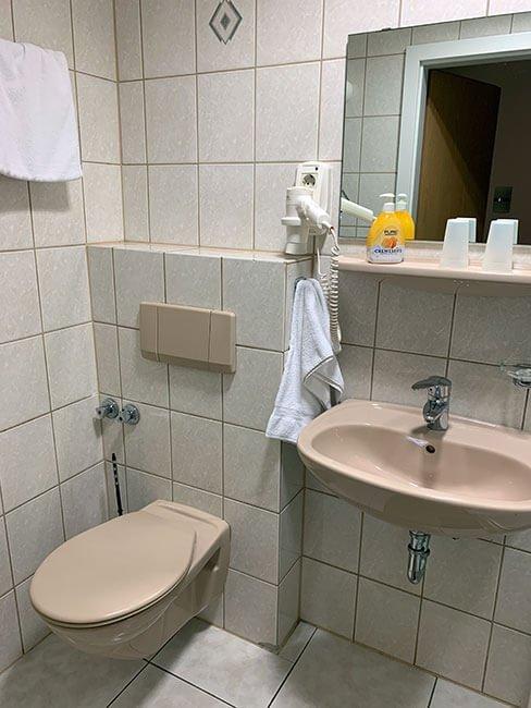 Baño de nuestra habitación en Trier - Alemania