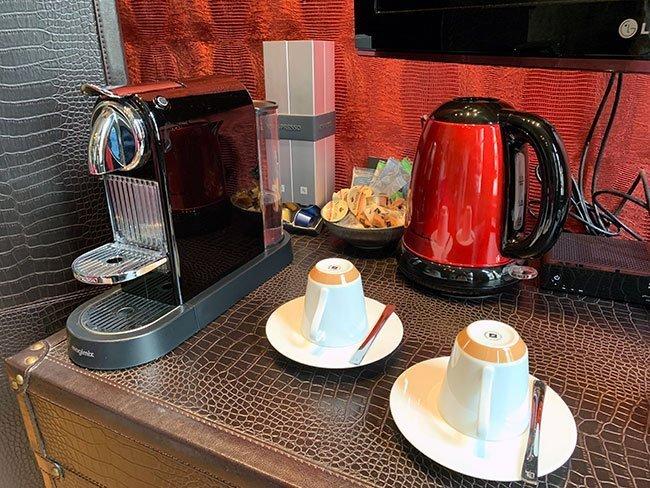 El hotel ofrece todo tipo de comodidades, como cafe Nespresso