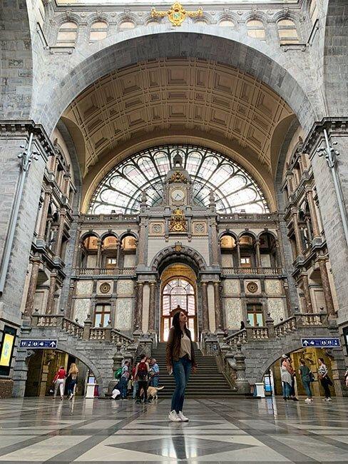 La espectacular arquitectura de la estación central de Amberes, Bélgica