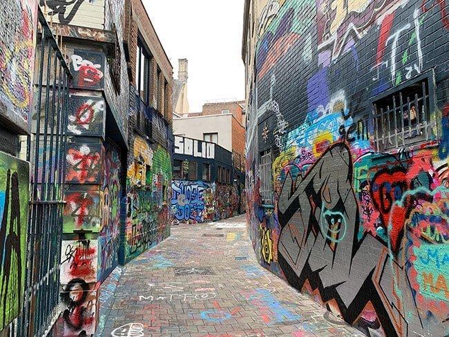 El curioso callejón de los Grafitis de Gante