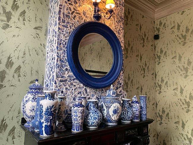La decoración del The Glorious Inn es muy llamativa