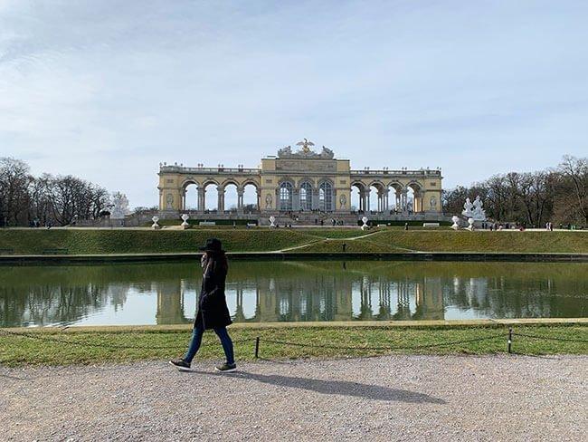 Los jardines del palacio Schoenbrunn en Viena