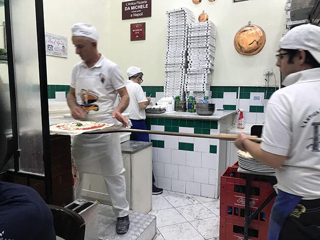 La antigua Pizzeria da Michele en Nápoles