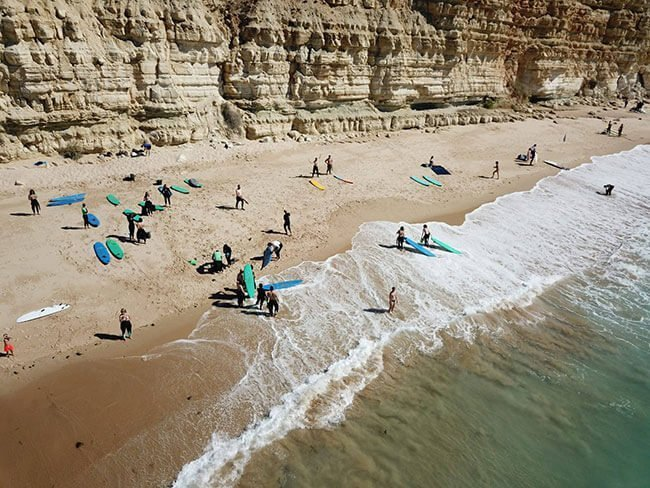 Vista espectacular de la playa de Lagos en el Algarve de Portugal (foto de www.vivirparaviajar.com)