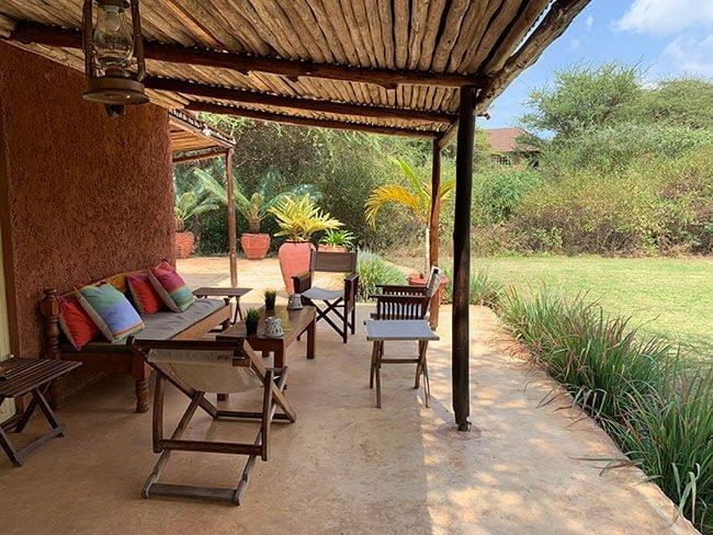 El porche del alojamiento en Arusha