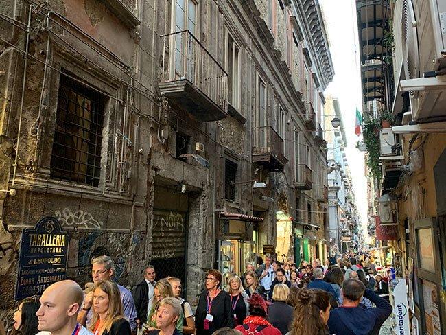La Calle Spaccanapoli