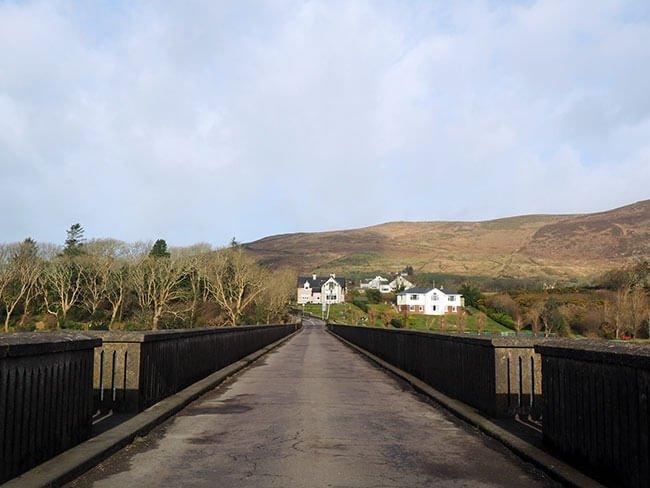 Puente estrecho en Irlanda