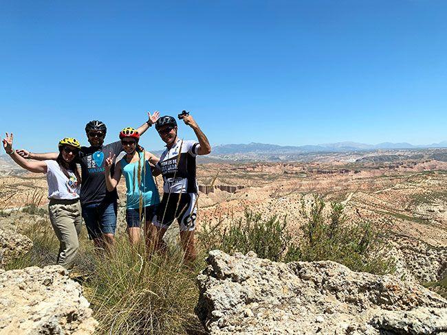 El equipo de la ruta por el desierto del Gorafe