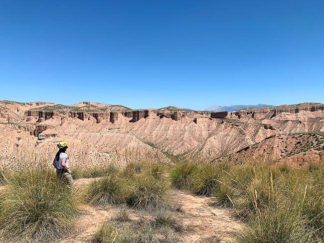 Los paisajes recorriendo el desierto del Gorafe son impresionantes