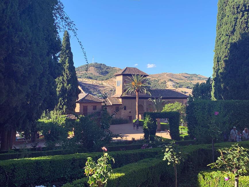 Los verdes jardines de la Alhambra