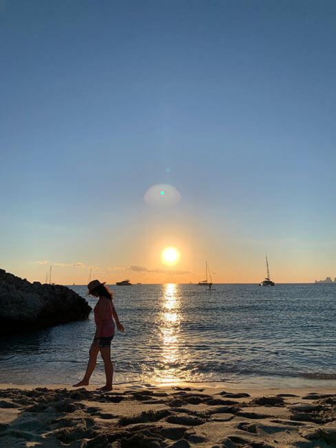Atardecer en la playa de Ses Illetes en Formentera