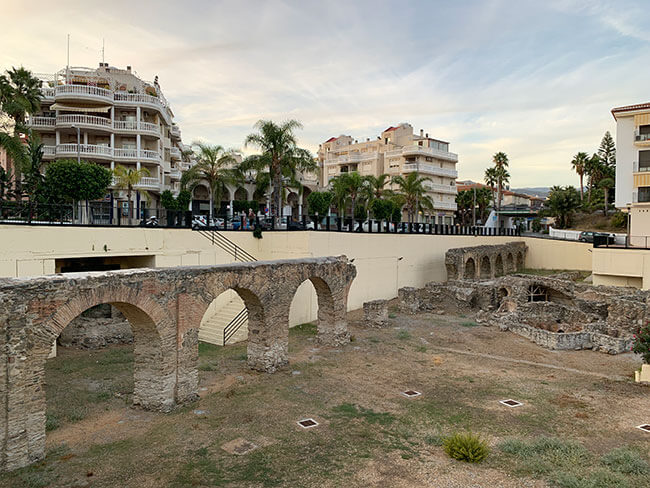 Acueducto romano en Almuñécar
