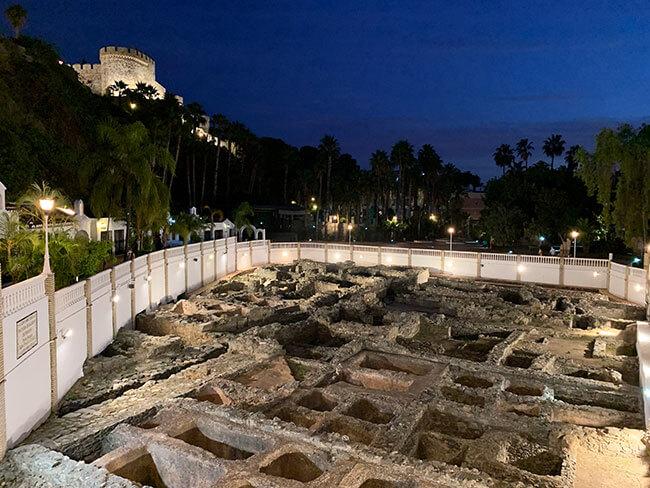 Ruinas de la factoría de salazones de pescado romana dentro del Parque botánico El Majuelo de Almuñécar